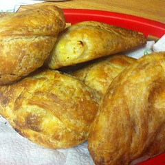 breakfast, baked goods, ciabatta, food, dish, cuisine, pasty,