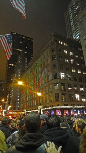 2012-12-08; Saks Lights