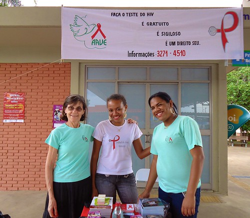 Margaret Hosty SSL (left) and two members of the AAVE team during a World Aids Day event.