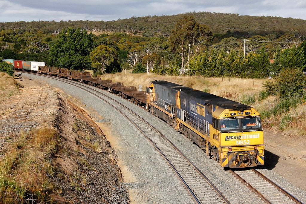 Pacific National's 3NY3 empty Steel train by Robert Cook