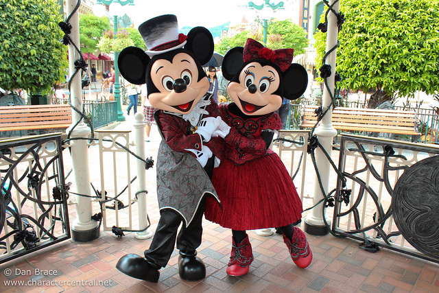 Meeting Halloween Mickey and Minnie Mouse