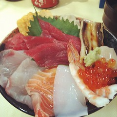 late #lunch tsukiji's 竹若 kaisendon #osaka #japan ♡