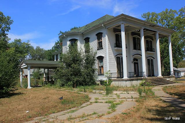 Abandoned celebrity mansions