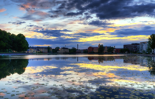 houses sunset water clouds buildings reflections landscape sweden lilies sverige hdr chimneys eskilstuna citypark waterscape stadsparken näckrosor