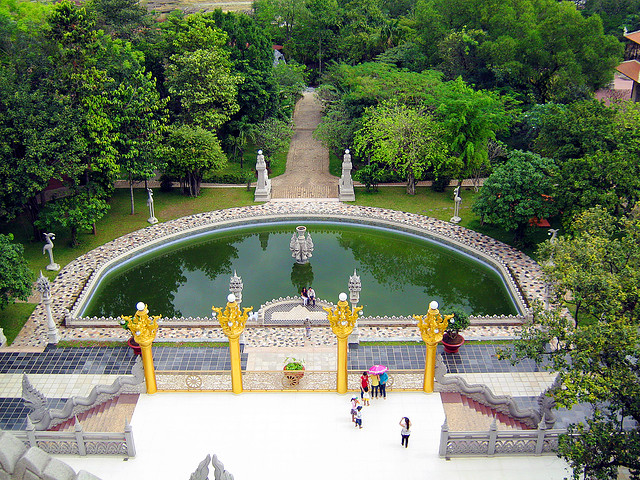 Buu long Pagoda