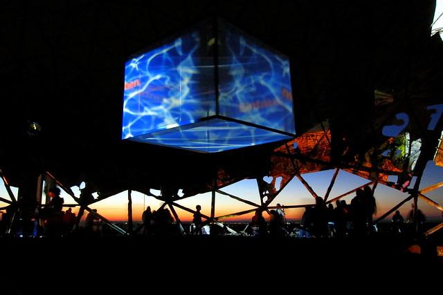 light-installation   teufelsberg . berlin