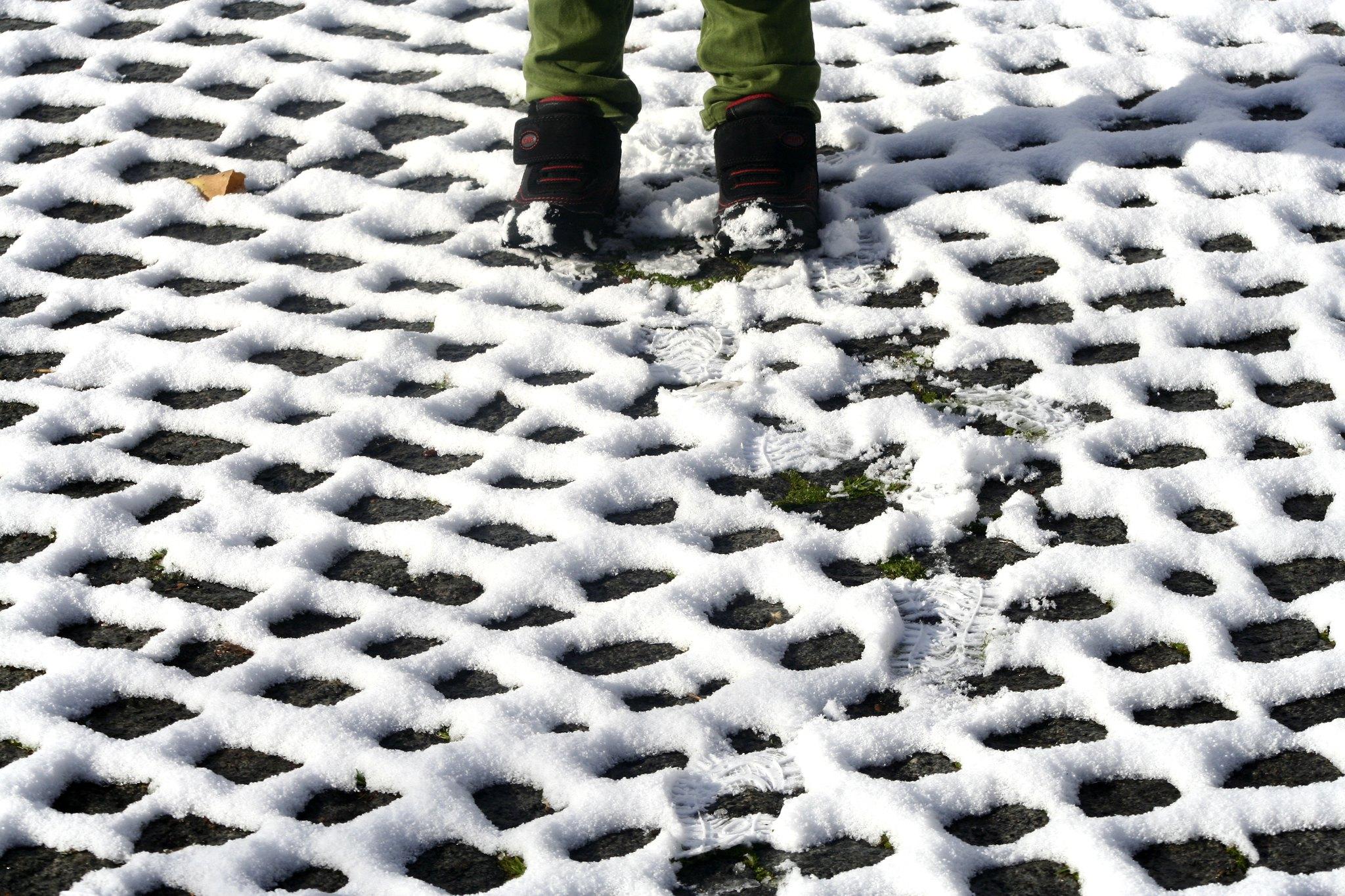 Snow around Istanbul cobbles