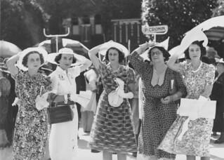 Five women at the races, Brisbane, 1938