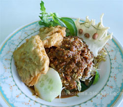 Pecel Madiun @ Denpasar - Bali [http://esdelima.blogspot.com]