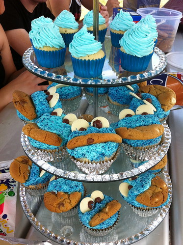 Stacey's Birthday Cookie Monster Cupcakes