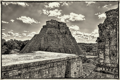 Uxmal MEX - Pyramid of the Magician 05