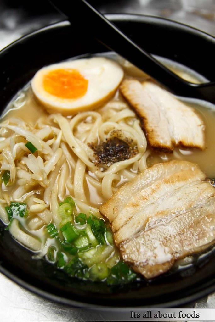 Gerai Makan Japanese BBQ taman desa pork ramen