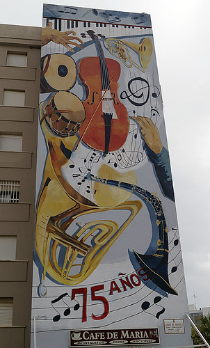 Murales Artísticos de Estepona (Spain): Aires de Musica (Air of Music) by Blanca Larrauri