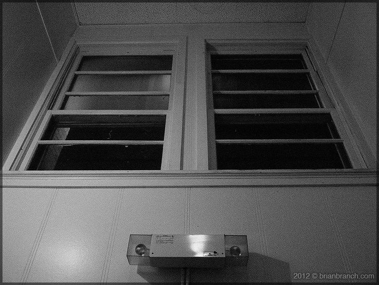 P1290540_windows