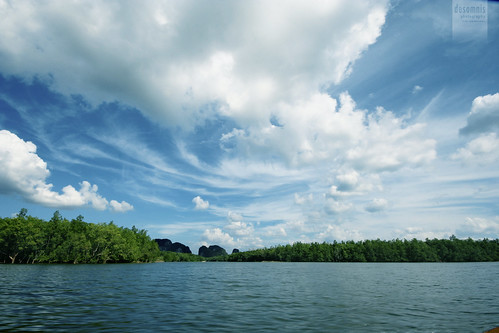 blue sea sky nature water clouds canon landscape thailand eos 350d asia sigma bluesky mangrove skyandclouds traveling 1020mm canoneos350d eos350d phangnga phangngabay sigma1020 desomnis