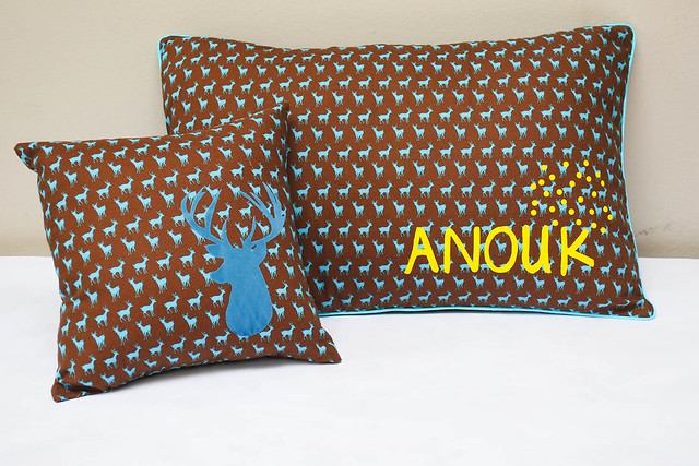 Deer pillow (1 van 6)