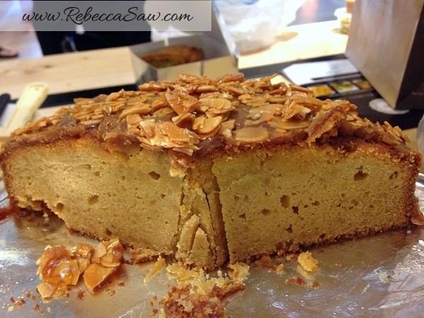 Swich Cafe - Publika - banana cake, apple cake and avocado cake-003