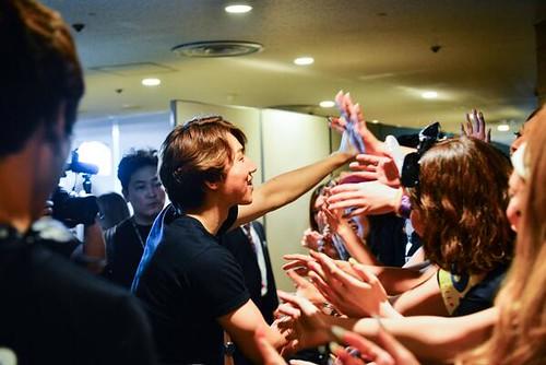 YGEX-Daesung-Kobe-RedCarpet20140621