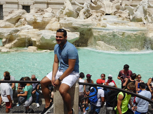 Interesting man posing at the Trevi Fountain - Rome - July 2016 (2)