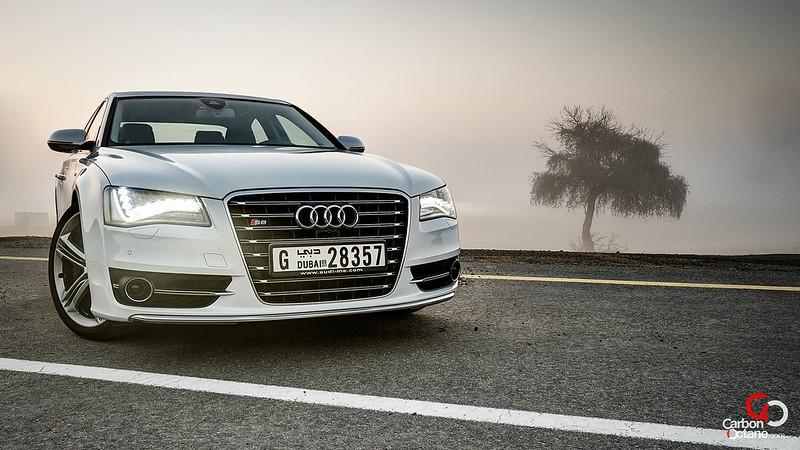 2013_Audi_S8-4.jpg