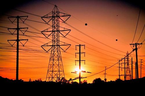 Тесла перевернулся бы в гробу – настало время перейти с переменного тока на постоянный