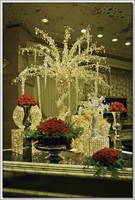 Mgm lobby holiday decorations flickr photo sharing for When does las vegas decorate for christmas