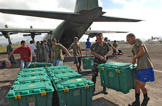 ShelterBox arrive in Philippines