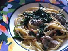 vegetable(0.0), spaghetti alle vongole(0.0), spaghetti(0.0), spaghetti aglio e olio(0.0), produce(0.0), carbonara(0.0), bucatini(1.0), pasta(1.0), clam sauce(1.0), linguine(1.0), fettuccine(1.0), food(1.0), dish(1.0), cuisine(1.0),