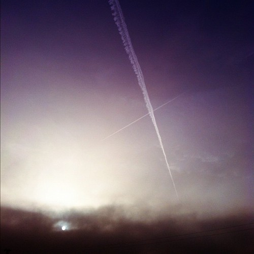 morning contrail uploaded:by=flickstagram instagram:photo=31510410511564002323031