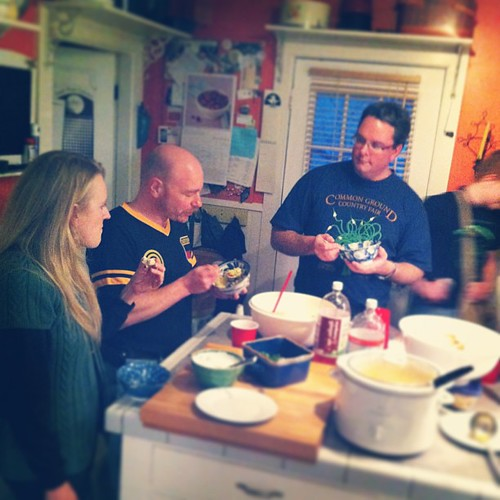no one seems to mind our small kitchen #friends #latergram