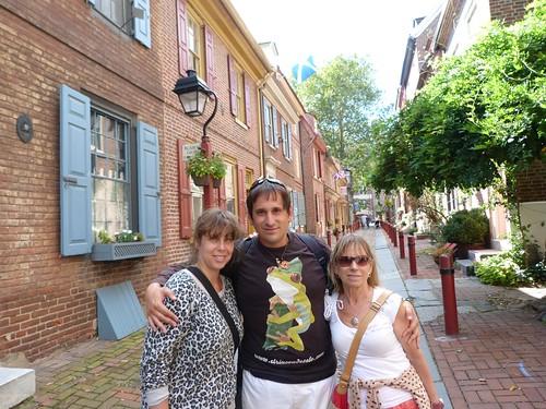 Con Rebeca y mi madre en Filadelfia