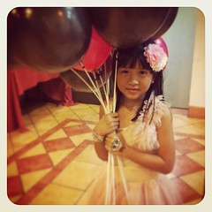 My pretty girl rocking her @daintyashley hairpiece :) (gamit na lahat mai! Ung rare piece na lang)