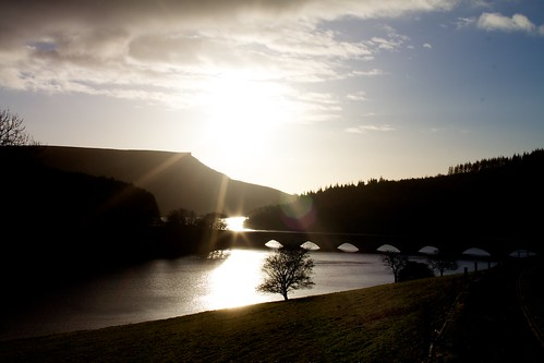 Sunrise over Ladybower by craigand