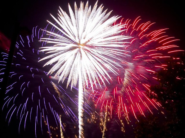 fireworks-red-white-blue_tx700