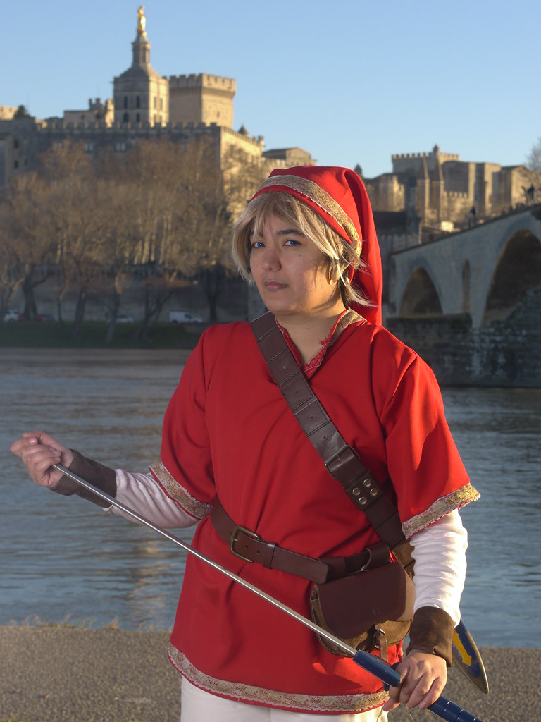 related image - Shooting Red Link - Avignon - 2013-01-03- P1520666
