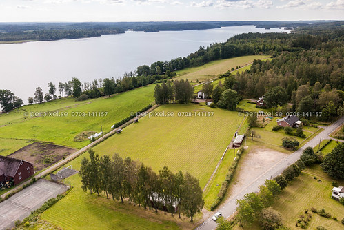 sverige kalv swe västragötaland fotbollsplan hestra flygfoto uddarp