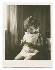 Fillette tricotin