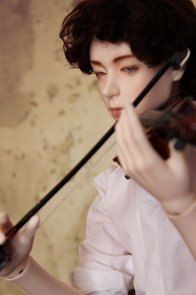 Sherlock playing the violin