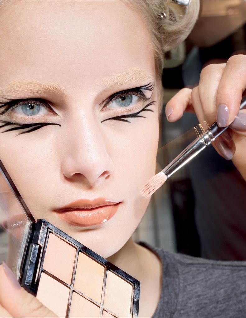 Studio-ProConcealandCorrectPalette-Beauty-300