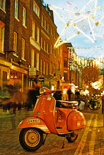 Neal Street Xmas lights by vespamore photography