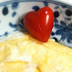 #heart shaped tomatoes to brighten up this rainy morning #breakfast #japan