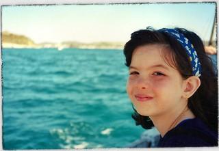 Gabi no passeio de escuna em Búzios (1999)