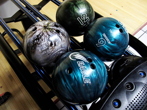 bowling2-1212