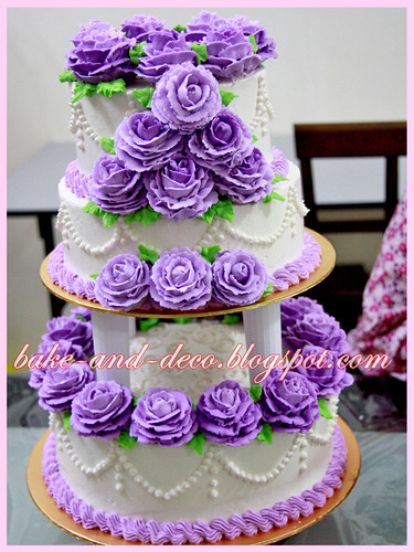 Personal Baking Class: 3 tier buttercream wedding cake + lapis cheezy + tutty fruity cream dessert ~ 19 June 2012