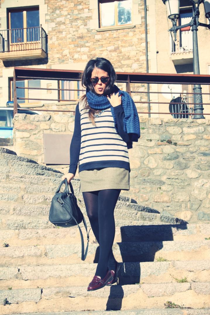 Look rayas azules + beige