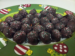chocolate truffle, chocolate balls, bonbon, food, dish, chocolate, cuisine,
