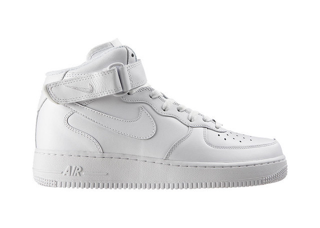 Nike-Air-Force-1-Mid-07-Mens-Shoe-315123_111_A.png&wid=1238&hei=884&fmt=jpg