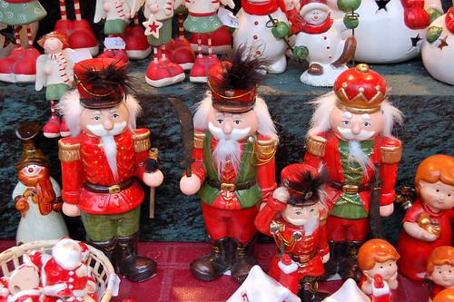 Christmas_Nutcrakers_shutterstock_67856611