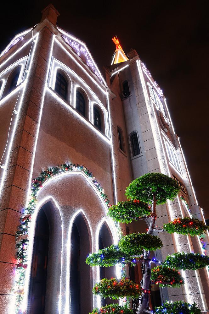 高雄鹽埕基督教會夜景