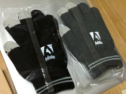 あのPRディーバ様から Adobe スマホ手袋を頂きました!わいわい!